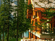 Moraine Lake Lodge - An authentic mountain experience