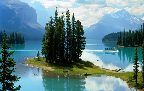 Cruise on Maligne Lake to Spirit Island - Cruise on Maligne Lake to Spirit Island