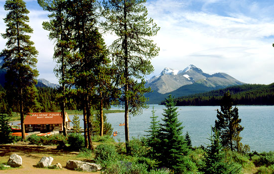 Canada rail - Canadian pacific railway - Discover breathtaking Jasper National Park on a one day stop over.