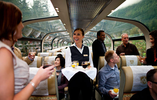 Canada rail - Canadian pacific railway - The Rocky Mountaineer train offers different levels of service, fine dining and viewing opportunities.