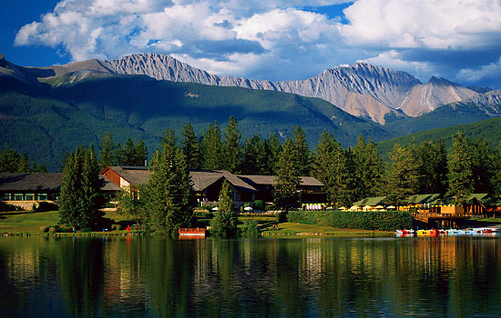 Canadian railway - Canadian train - Jasper and Banff offer some of the best scenery and accommodations in Canada.