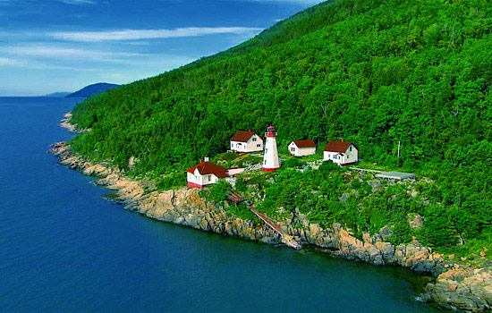 Here you'll marvel at Quebec's mountains, lakes and rivers.