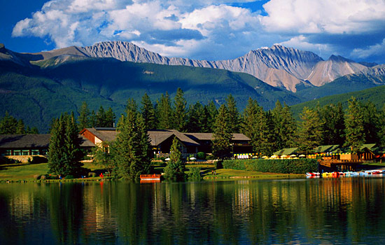 Canadian train - Rocky Mountaineer - This is your time to relax and kick-up your feet!