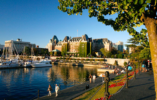 Canada tours - Canada travel guide - End your trip with sighseeing in Victoria and Vancouver.